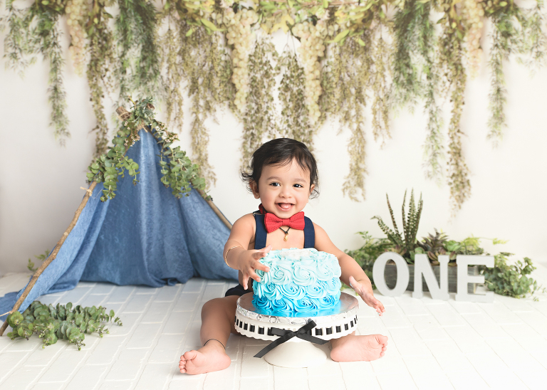 Connecticut Cake Smash Photographer - Westchester, NY and Litchfield Fairfield County -Smash Cake Photos